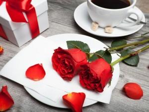 Mesa preparada para el Día de San Valentín