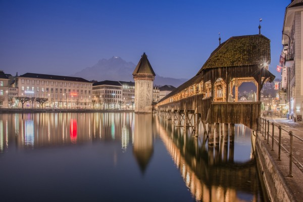 Noche en Lucerna (Suiza)