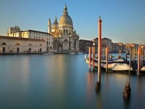 Postal: Basílica de Santa Maria della Salute (Venecia, Italia)
