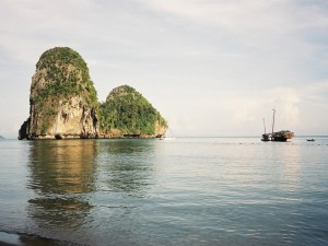 Postal: Embarcaciones en Krabi, Tailandia