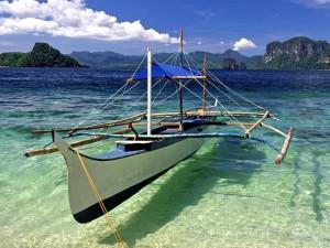 Postal: Barca en la orilla