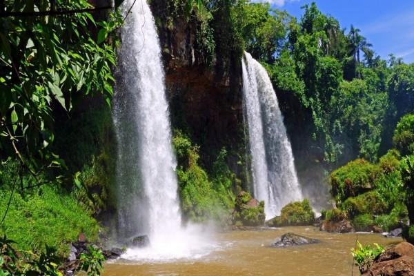 Maravillosas cascadas gemelas