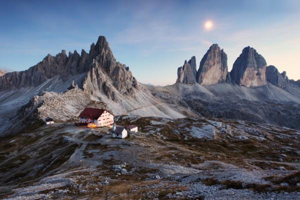 Refugio en Los Dolomitas (Sección Alpina, Italia)
