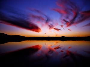 Postal: Nubes dibujando un bonito cielo