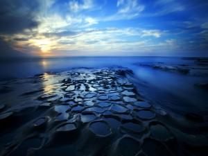 Perfecto amanecer sobre el océano
