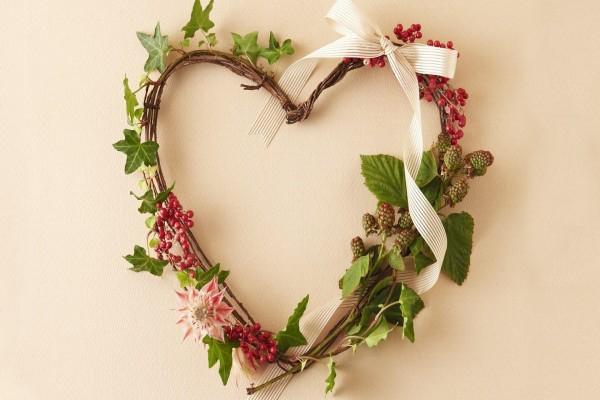 Ofrenda floral con forma de corazón