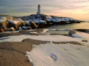Nieve a orillas del mar