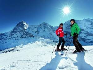 Postal: Soleado día de esquí