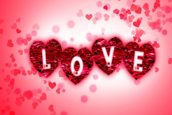 Love sobre corazones