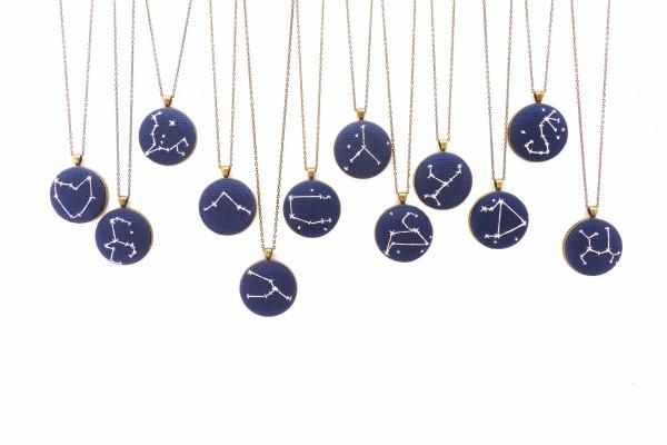 Colgantes con las constelaciones del zodiaco
