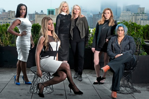 Actrices de Orange is the new Black con Piper Kerman y Jenji Kohan