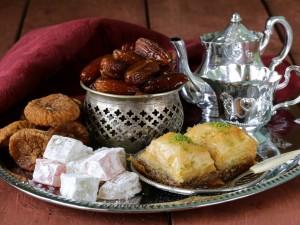 Postal: Dulces para acompañar el té moruno