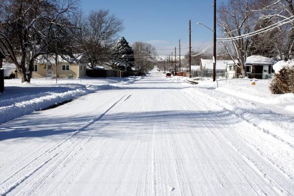 Barrio cubierto de nieve