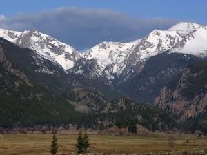 Montañas vistas desde el valle