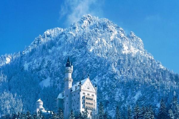 El castillo de Neuschwanstein visto en invierno
