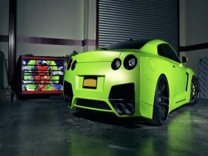 Nissan GTR de color verde