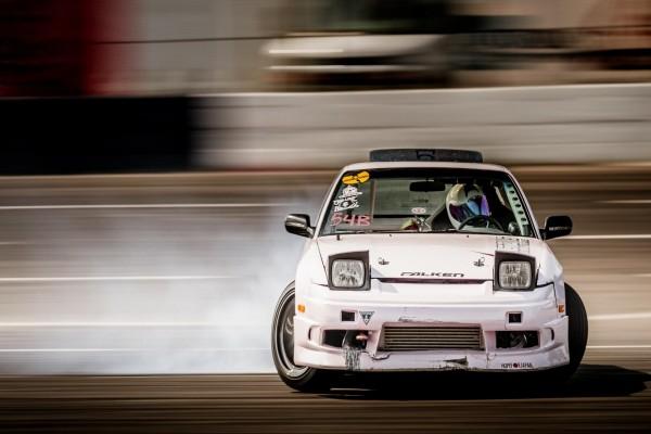 Coche practicando drift