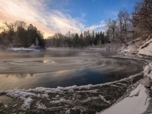 Postal: Río congelado