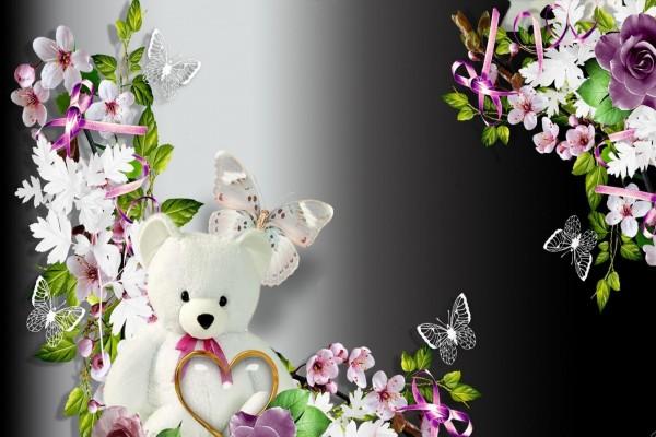 Un romántico osito entre flores