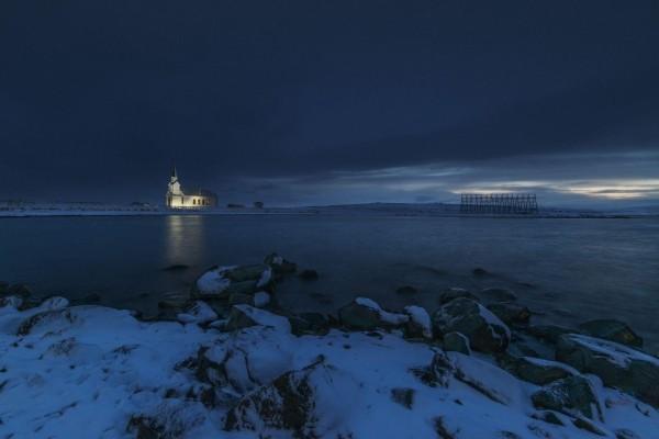 Noche de invierno junto al agua
