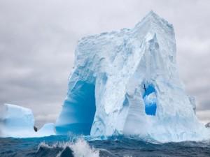 Enorme iceberg en el antártico