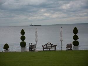 Jardín junto al agua