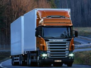 Scania R 420 en la carretera