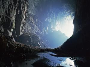 Visitando una gran cueva