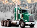 Un Trailer Kenworth T800 Truck en un bosque nevado