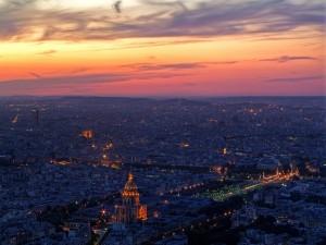 Vista de París al amanecer