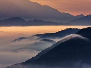 Postal: Mar de nubes al amanecer