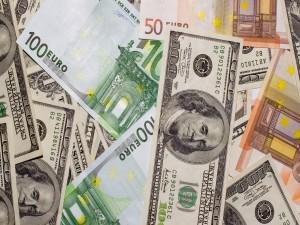 Postal: Billetes de Euro y Dólar