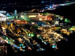 Postal: Vista nocturna de Santorini