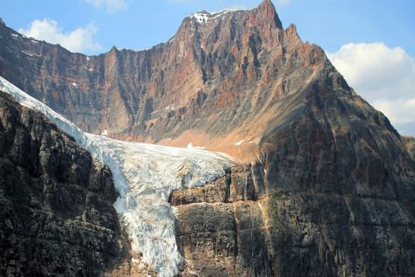 Glaciar en una montaña