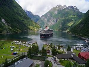Postal: Cruceros en una bahía