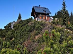 Preciosa casa en la cima de una montaña