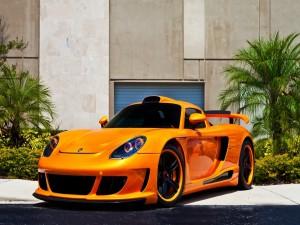 Porsche Carrera GT naranja