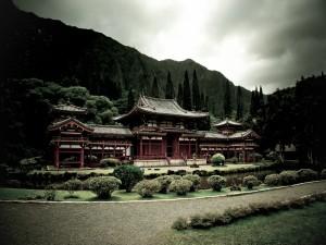 Templo budista en un entorno natural
