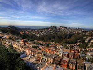 Postal: Casas en una ciudad costera