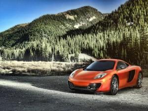 Postal: McLaren MP4-12C