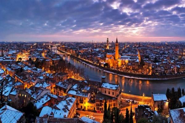 Nieve sobre Verona y a orillas del río Adigio