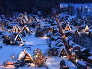 Postal: Nieve sobre las casas tradicionales de las aldeas Shirakawa-go y Gokayama (Japón)