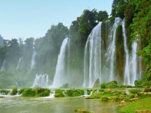 Postal: Imponentes y maravillosas cascadas
