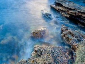 Postal: Rocas en el agua