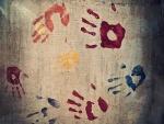 Huellas de manos en varios colores