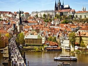 Paseando por el Puente de Carlos (República Checa, Praga)