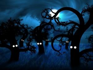 Árboles despiertos en la noche