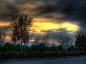 Postal: Amanecer cubierto de nubes