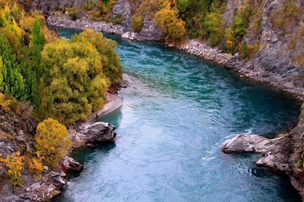 El cauce de un río