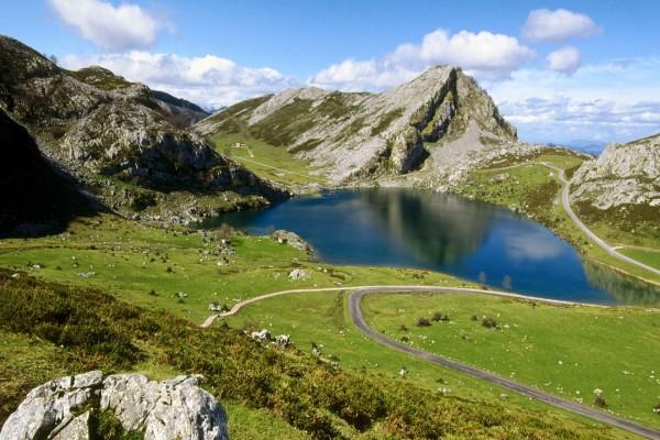 Vistas del lago Enol, Covadonga (Cangas de Onís, Asturias)